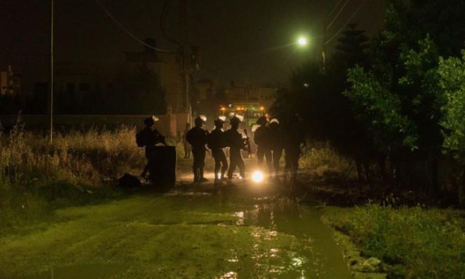 الاحتلال يعتقل 8 فلسطينيين ويصادر 240 ألف شيكل بالضفة