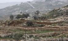 الاحتلال يصادر 72 دونما بالخضر ويخطر بهدم منزلين