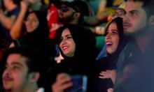 جدل حول أول عرض مصارعة حرة بالسعودية بحضور نساء وأطفال