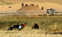 استشهاد 3 فلسطينيين واعتقالُ اثنين عند الحدود مع غزة