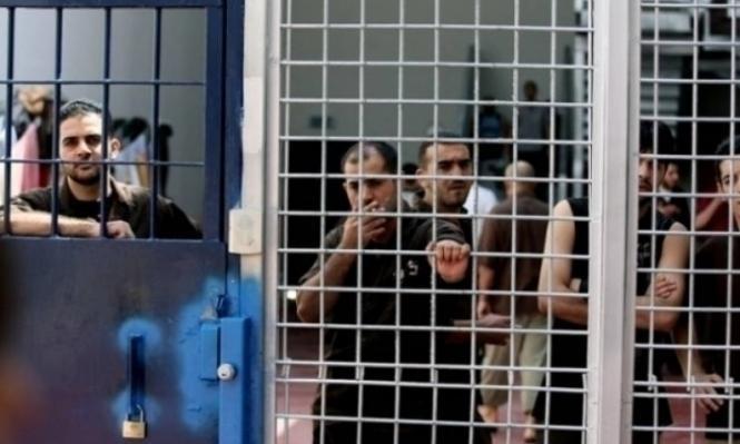 """خمسة أسرى فلسطينيين تتدهور صحتهم في معتقلي """"عسقلان"""" و""""النقب"""""""