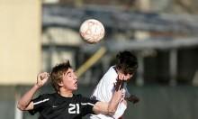 دراسة: الضربات الرأسية بكرة القدم تؤثر على الإدراك