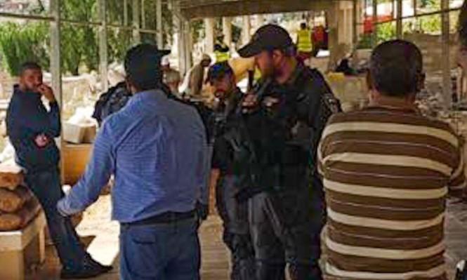 القدس:الاحتلال يفصل جزءا من مقبرة لإنشاء حديقة