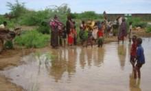معاناة آلاف النازحين جرّاء فياضانات بالصومال