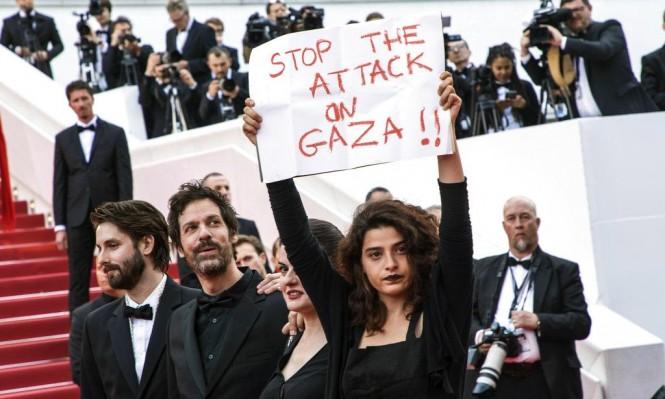 """ممثلة لبنانية تحتج على مجزرة غزة بمهرجان """"كان"""" الدولي"""