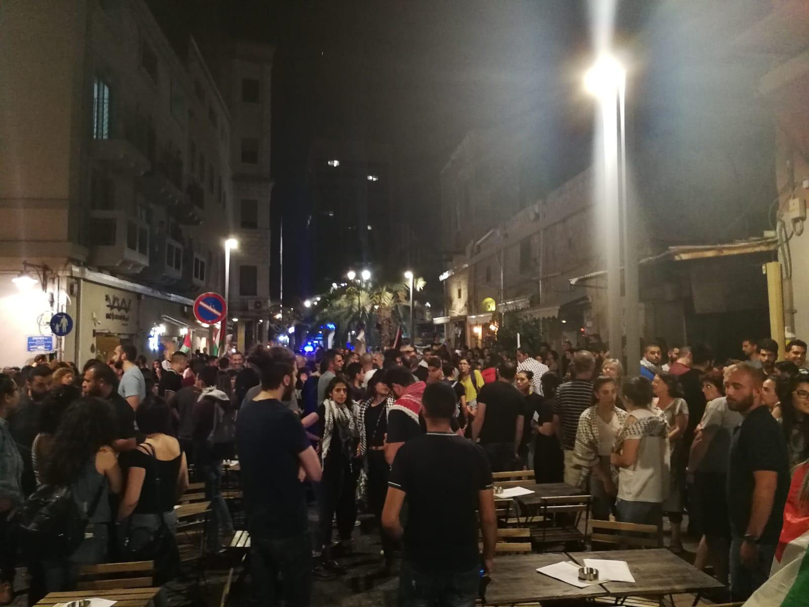 حيفا: اعتقالاتٌ عشوائية للشرطة وإصابات وقمع بالمُظاهرة المُناصرة لغزة