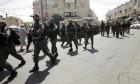 القدس: الاحتلال يغلق باب العامود بالحواجز الحديدية