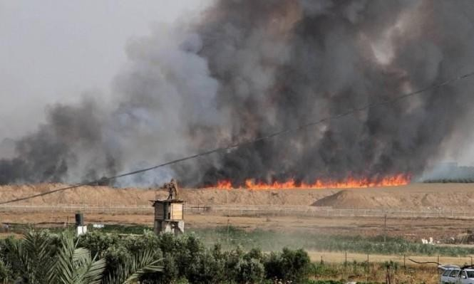 """حريق قرب موقع """"ناحل عوز"""" العسكري بفعل طائرة ورقية"""