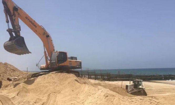 الاحتلال يعمل على بناء حاجز بحري شمال غزة