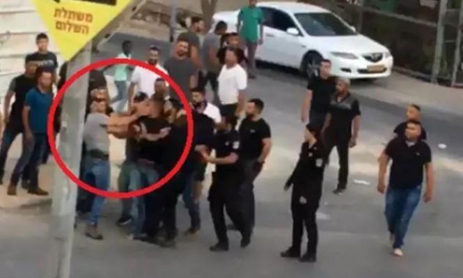 رهط: تمديد اعتقال المعتدى عليهما وتخوف على أمن المعتدي