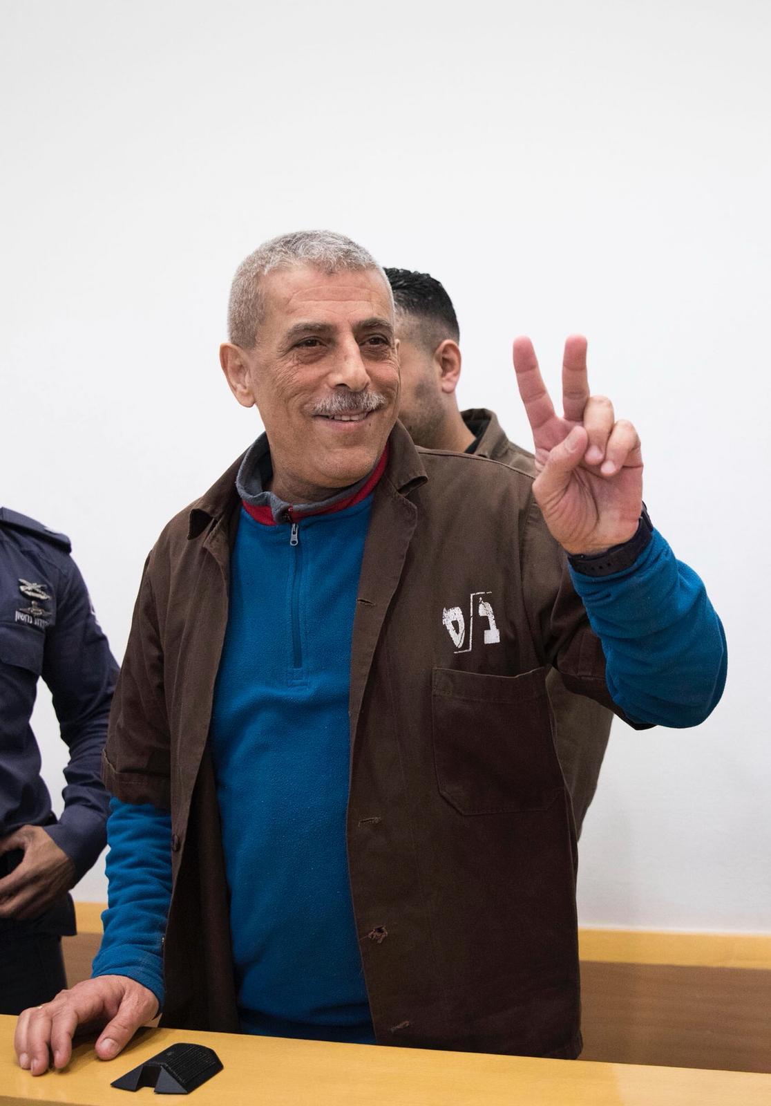 الحكم على الأسير وليد دقة بالسجن عامين إضافيين