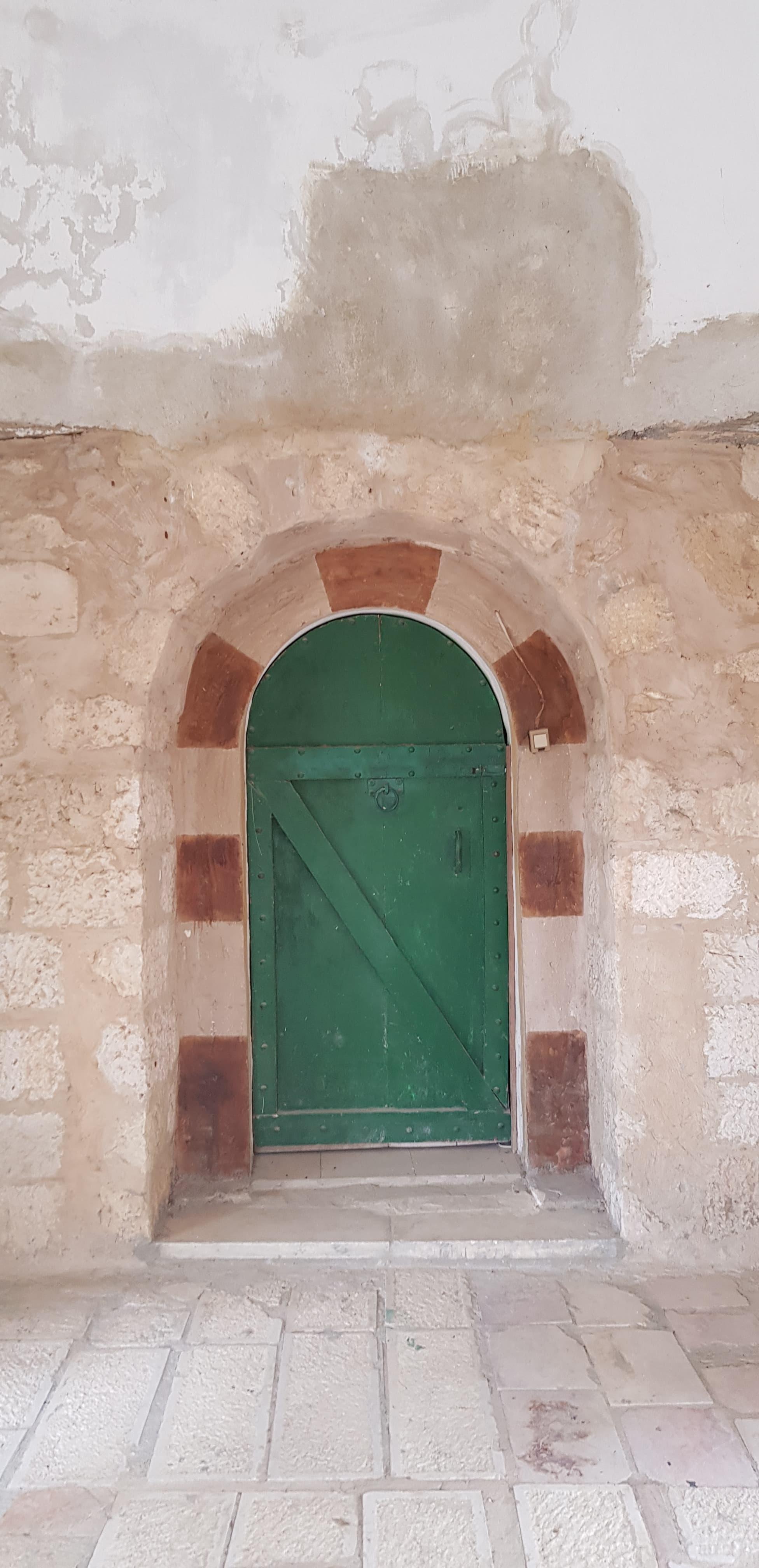 مضافة أبو خالد... الحجارة التي تغلبت على النكبة