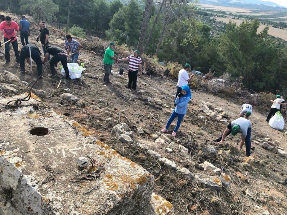 يوم عمل تطوعي في مقبرة قرية لوبية المهجرة