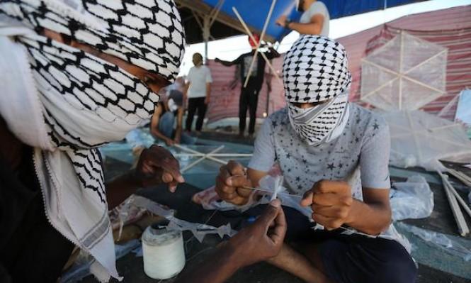 """طائرات الاحتلال تقصف """"وحدة الطائرات الورقية"""" جنوبي قطاع غزة"""