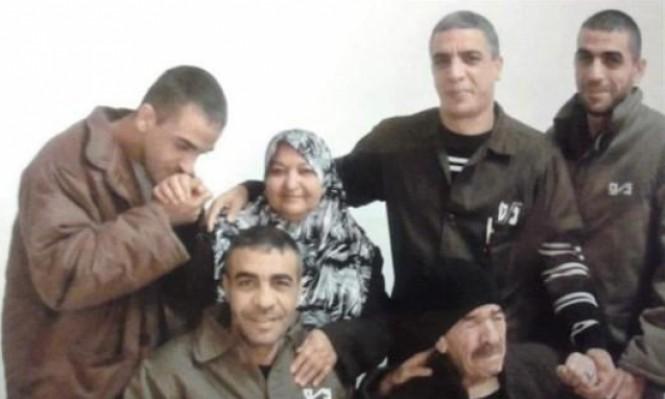 """الاحتلال يخطر بهدم منزل """"خنساء فلسطين"""" بالأمعري"""