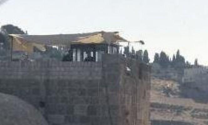 الاحتلال ينصب نقطة مراقبة فوق باب الرحمة بالأقصى