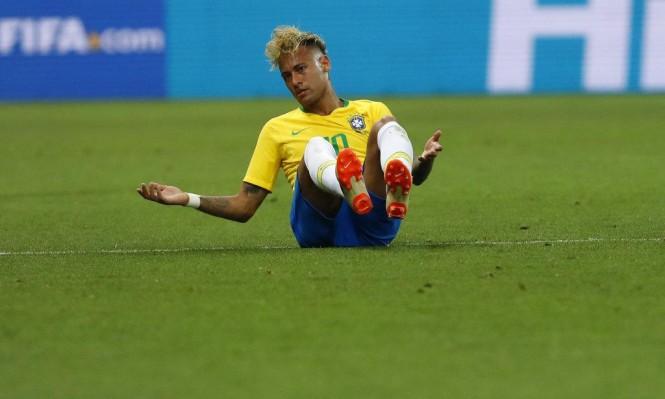 نيمار يترك تدريب البرازيل بسبب الإصابة