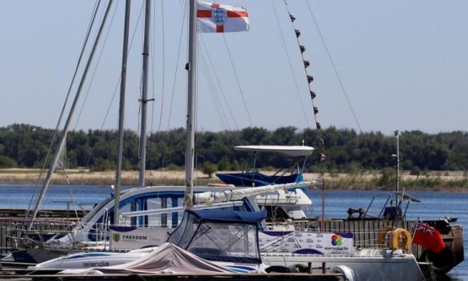 لتشجيع منتخب بلاده في روسيا: إنجليزي يقطع ألفي كيلومتر بالقارب!