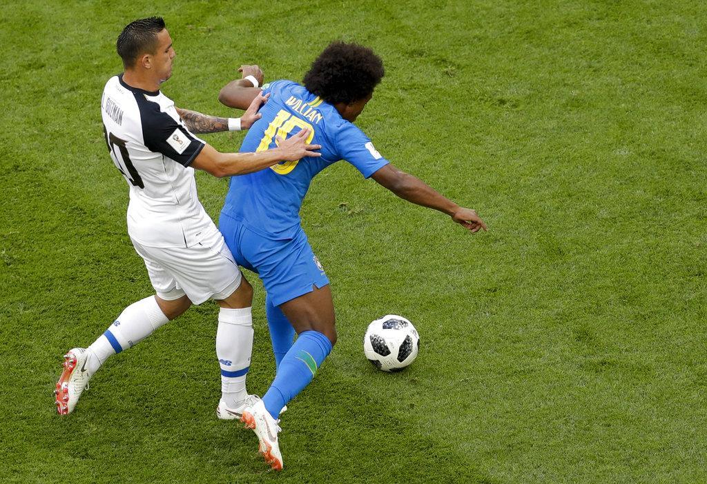 البرازيل تحقق فوزا متأخرا على كوستاريكا بهدفين نظيفين