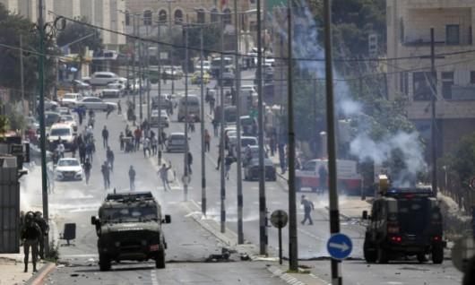 الاحتلال ينصب حواجز جديدة وإصابات بمواجهات في الضفة
