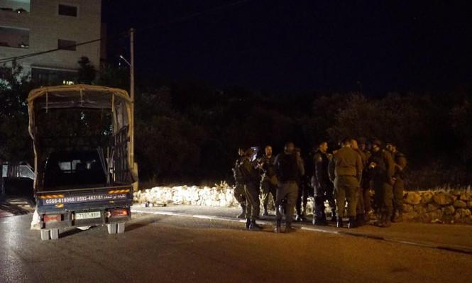 مواجهات واعتقالات والاحتلال يضبط أسلحة وأموال بالضفة