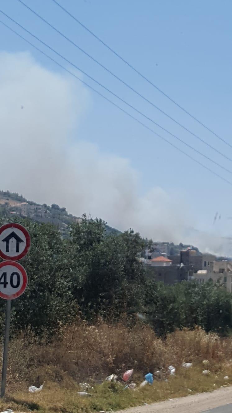 ألسنة النار تقترب من منازل مأهولة في سخنين