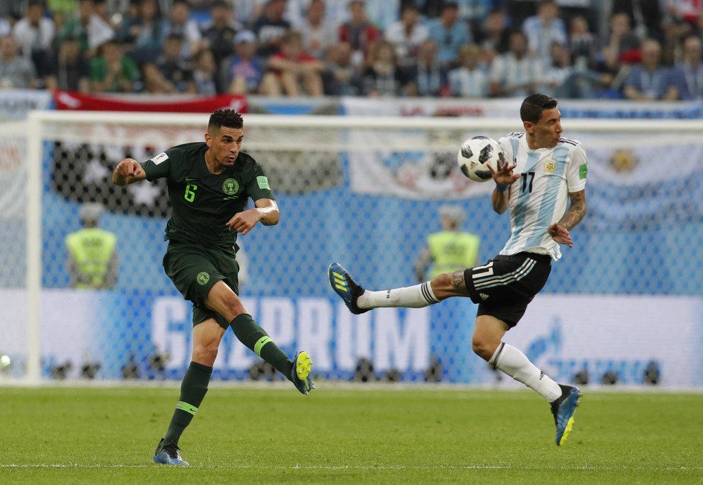 الأرجنتين تنتزع تأهلا صعبا من نيجيريا