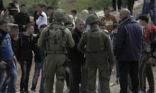 نابلس: الاحتلال يحتجز مئات المواطنين عند حاجزٍ طيّار