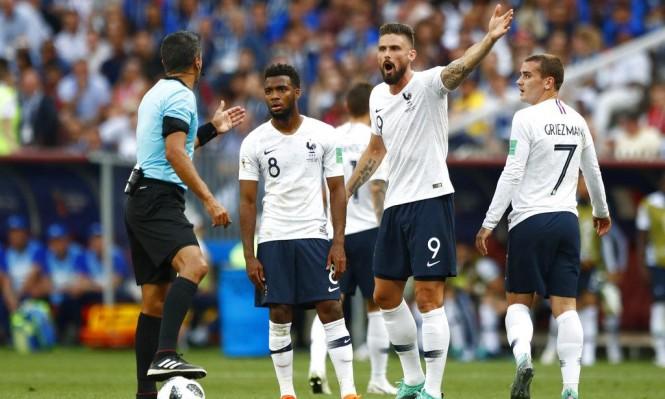 الدانمارك تضمن تأهلها رغم تعادلها أمام فرنسا