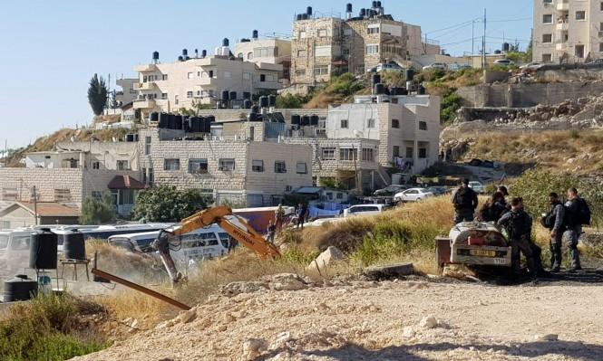 جرافات الاحتلال تهدم منزلا في بلدة بيت حنينا