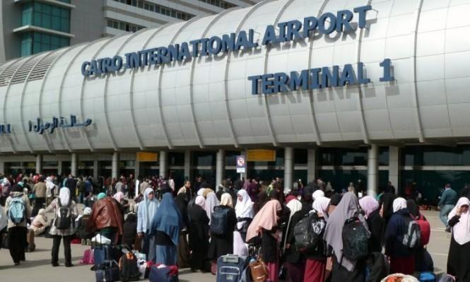 الروائي علاء الأسواني يقول إنه احتُجز بمطار القاهرة