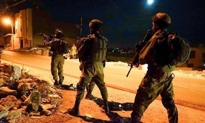 اعتقال 33 فلسطينيا بالقدس والضفة وضبط أسلحة بأبو ديس