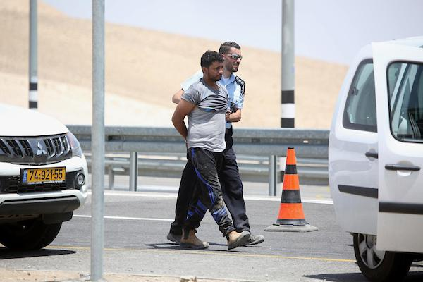 الخان الأحمر: إصابات واعتقالات في قمع المتصدين للهدم والتشريد