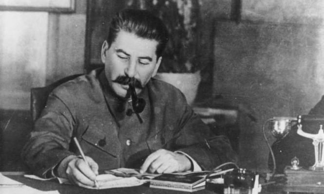 الوحشيّة في عهد ستالين: كرة القدم نموذجًا