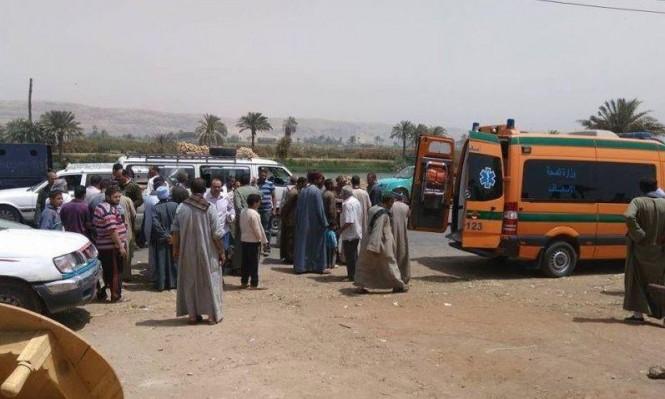 مصر: مصرع 12 وإصابة 7 آخرين في حادث طرق