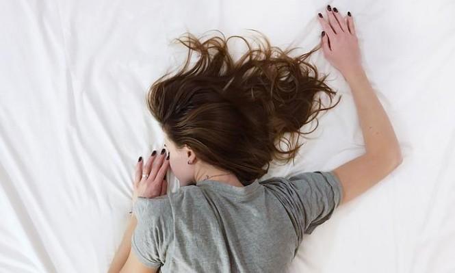 هل ينقطع تنفّسك أثناء النوم؟ احذر أن تُصاب بالخرف