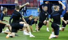 إنجلترا أم كرواتيا: من ستعيد كتابة التاريخ في كأس العالم؟
