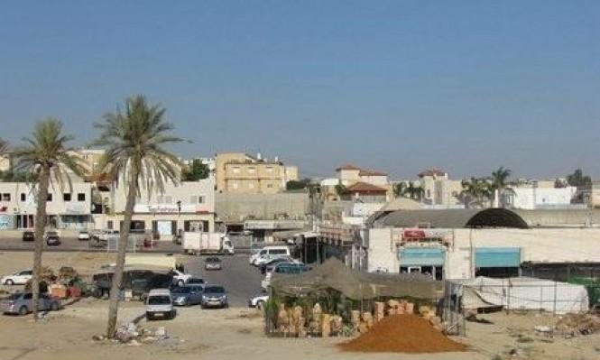 رهط: اعتقال عاملين من الضفة وإغلاق محلين تجاريين بأمر إداري