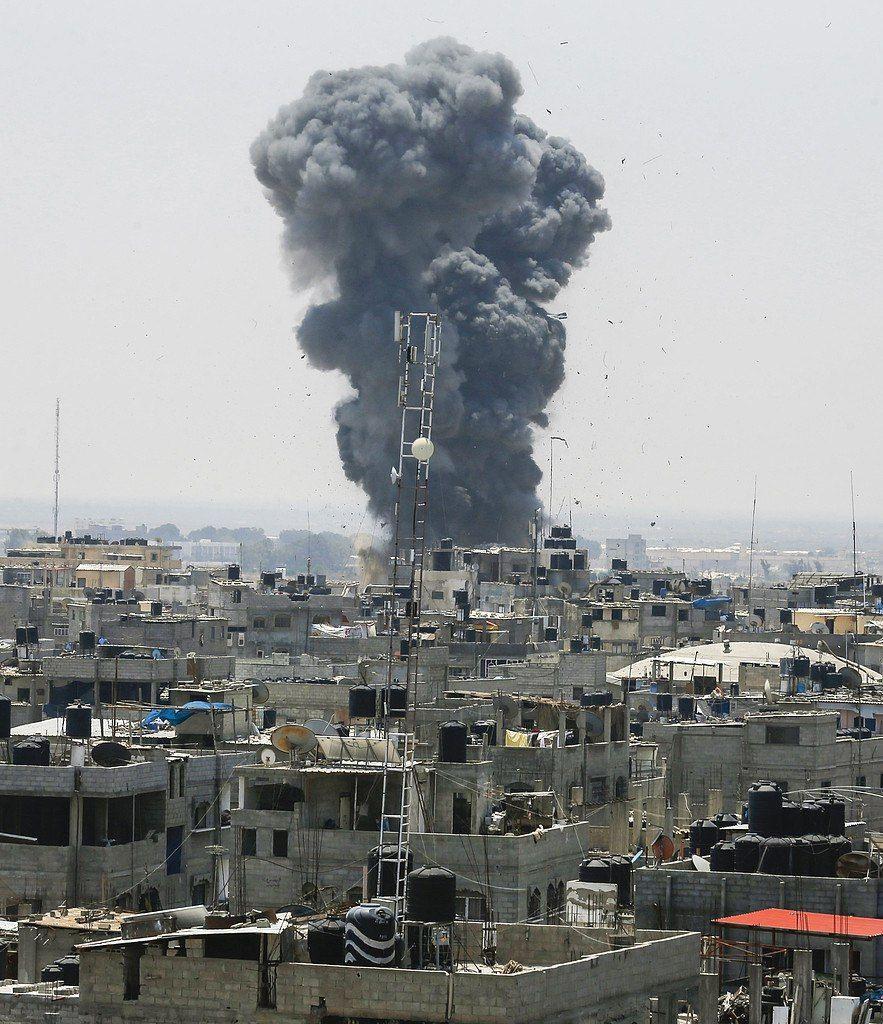 إصابات بغزة ومدفعية الاحتلال تستهدف منزلا لقيادي بسرايا القدس