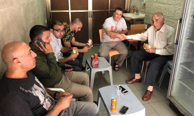 القدس: الاحتلال يفرج الاعمال الفلسطيني منيب