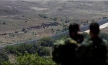 مئات السوريين يقتربون من السياج الحدودي قرب القنيطرة