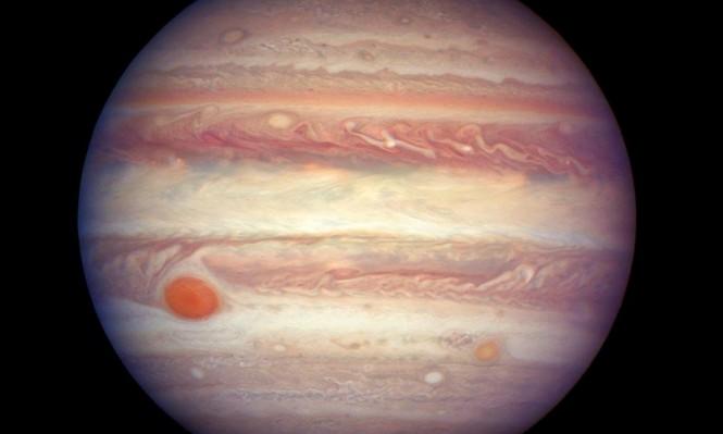 """اكتشاف 12 قمرا جديدا حول المشتري بينهم قمر """"غريب"""""""