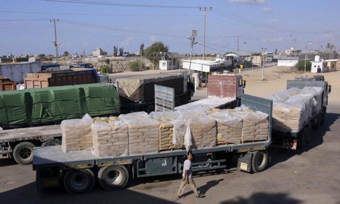 الاحتلال يحتجز نحو 2000 شاحنة بضائع لغزة