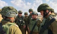 آيزنكوت يتفقد السياج الأمني وليبرمان يبتز غزة بالغذاء والدواء