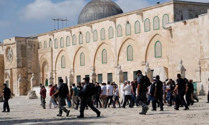 مفتي القدس: اقتحامات الأقصى تهدف لإشعال حرب دينية