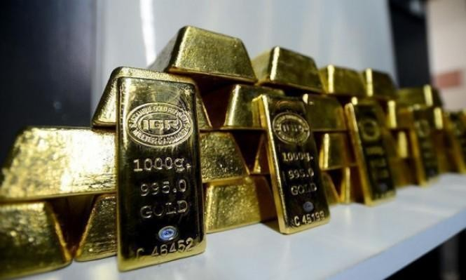 تراجعٌ للذهب بالتزامن مع انخفاض الدولار لأدنى مستوى في أسبوعين