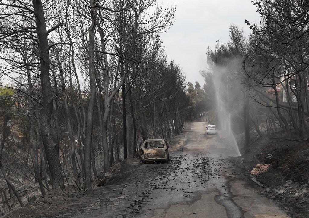 اليونان: ارتفاع عدد الضحايا لـ74 وتقدم بعمليات الإخماد