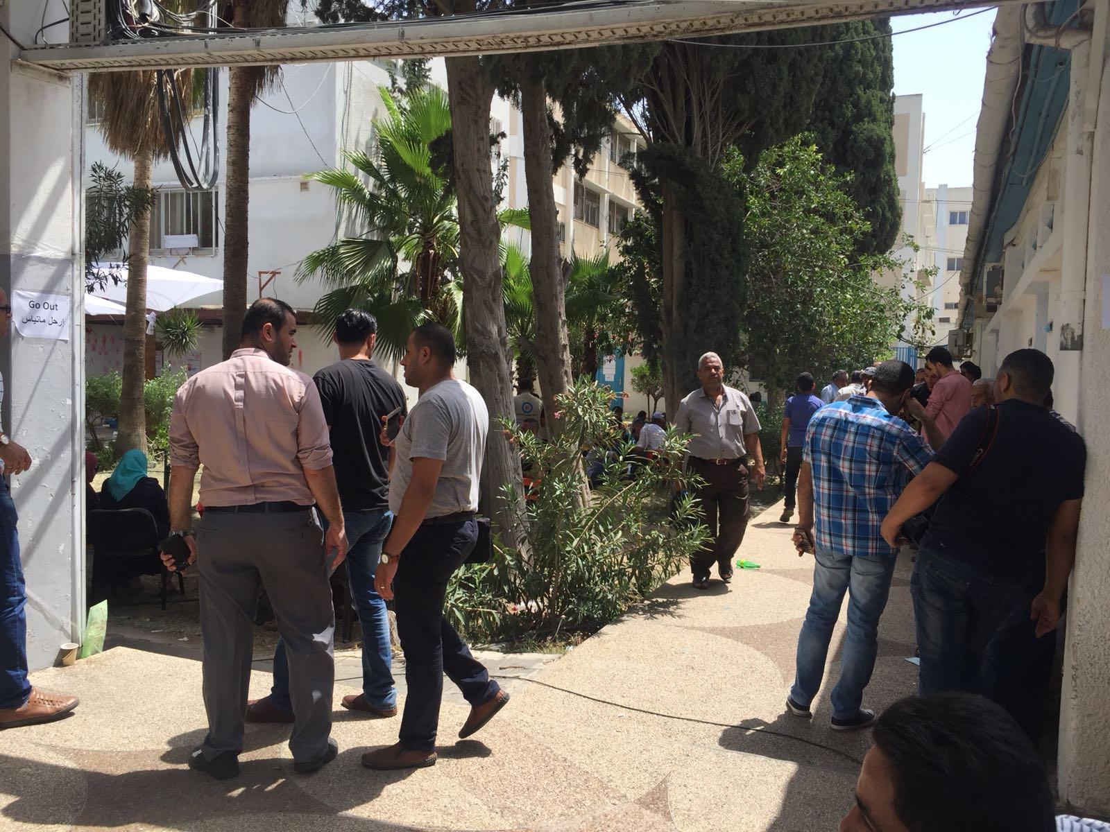 الأونروا تُنهي عمل 125 موظفًا نهائيًا والمئات جزئيًا بغزّة