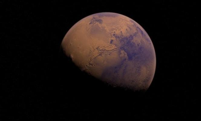 علماء يعثرون على مصدرٍ للمياه السائلة في المرّيخ