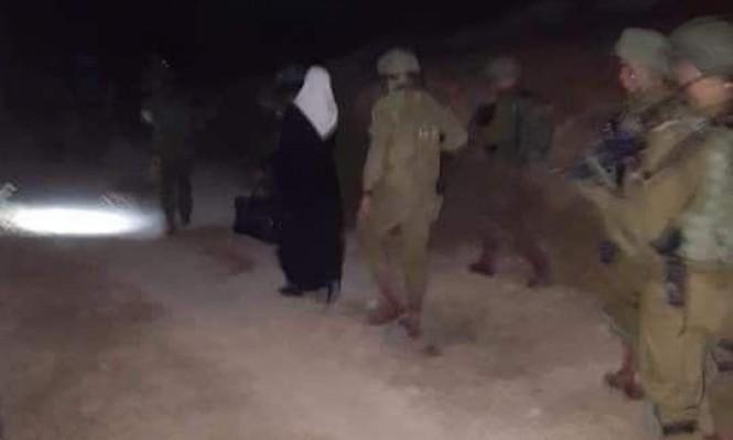 الكاتبة خاطر تخضع لتحقيق بسجن عسقلان